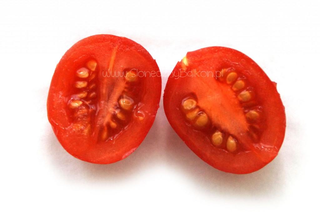 pomidor-koktajlowy-przekroj-red-cherry